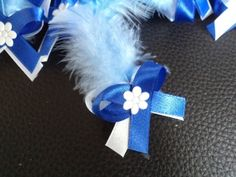 Svadobné pierko s modrím perím + biela+ kráľovská modrá