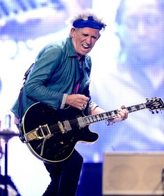 Still-Got-It Keith. | 33 Rocking Pictures To Celebrate Keith Richards' 70th Birthday