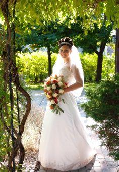 Sarah's Fall Wedding Flowers North Park Florist 1514 Hertel Avenue Buffalo, NY 14216 (716) 838-1123 northparkflorist.com Fall Wedding Flowers, Buffalo, Brides, Park, Wedding Dresses, Fashion, Bride Dresses, Moda, Bridal Gowns