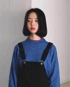 asian, girl, and ulzzang image Fashion Mode, Asian Fashion, Fashion Tips, Fashion Clothes, Trendy Fashion, Girl Fashion, Girl Short Hair, Short Girls, Korean Girl