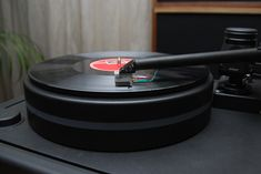 Kuzma Stabi M turntable, 4 Point tonearm and CAR-30 cartridge...