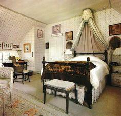 Nancy Lancaster English country bedroom - Home Decor English Country Style, Country Style Homes, Country Houses, Home Interior, Interior Design, Teen Girl Bedding, English Decor, Beautiful Interiors, Beautiful Bedrooms