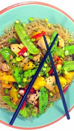 Inspired By eRecipeCards: Chicken, Snow Peas and Pineapple on Garlic Noodles Asian Cooking, Healthy Cooking, Cooking Recipes, Healthy Recipes, Healthy Eats, Great Recipes, Favorite Recipes, Dinner Recipes, Garlic Noodles
