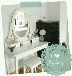 Coqueta Dressing Table Inspiration, Room Inspiration, Makeup Vanity Decor, Cute Furniture, Vanity Room, Grey Room, Beauty Room, Small Rooms, Room Interior