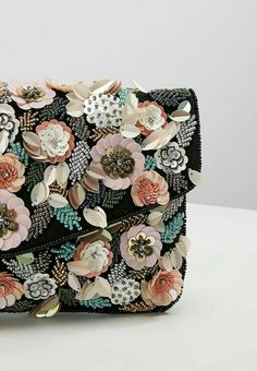 Embroidery Purse, Couture Embroidery, Embroidery Fashion, Beaded Embroidery, Embroidery Designs, Beaded Purses, Beaded Bags, Girls Dresses Sewing, Jeweled Headband
