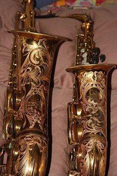 Tattooed sax! Guess you could say its pretty.. SAXY
