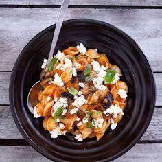 kuchnia włoska - Magazyn Kuchenny Yummy Eats, Penne, Ricotta, Mozzarella, Chili, Salsa, Recipies, Curry, Diet