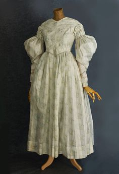 Antique Clothing at Vintage Textile: #1643 Cotton print dressCotton print day dress, c.1830