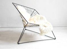 Ein Ikonischer Stuhl, Den Jeder Design Fan Haben Muss. Gibt Es Bei Etsy.