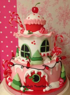 Christmas Candy House by Dutch Cakelady Wendy by sgyvip Gorgeous Cakes, Pretty Cakes, Cute Cakes, Amazing Cakes, Noel Christmas, Christmas Candy, Whimsical Christmas, Christmas Sweets, Pink Christmas