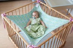 Sanft in den Schlaf mit der Träumchen-Hängematte    Die Träumchen-Hängematte ist die ultimative Einschlafhilfe für Babys, die nicht zur Ruhe kommen. E