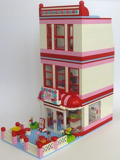 Personalized way to build the Lego Friends Cafe. BTW: If you want to build this, you'll need to have more bricks then the amount that comes in the Lego Friends Cafe set.