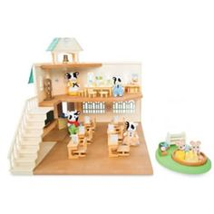 Calico Critters Berry Grove School Gift Set