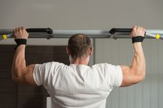 There are two basic types of pull-up bars on the market: removable and permanent. Removable pull-up bars are relatively lightweight, inexpensive solutions for those who do not want to drill or permanently mount their pull-up bar. Split Workout Routine, Weight Trainer, Work Out Routines Gym, Pull Up Bar, Heavy Weights, Chin Up, Back Exercises, Socket Set