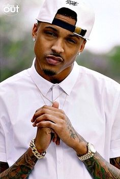 August Alsina--- my boy look clean !