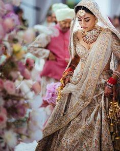 New sabyasachi bridal lehenga white indian weddings Ideas Indian Bridal Outfits, Indian Designer Outfits, Indian Dresses, Sikh Wedding Dress, Wedding Lehnga, Indian White Wedding Dress, Wedding Attire, Sabyasachi Lehenga Bridal, Indian Bridal Lehenga