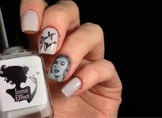 Marilyn Monroe Nail Art