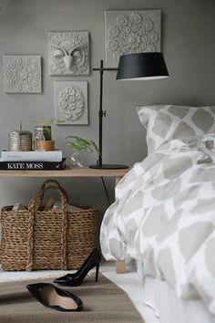 interior design for small bedroom Interior Desing, Gray Interior, Interior Inspiration, Interior Decorating, Home Bedroom, Bedroom Decor, Calm Bedroom, Bedroom Wall, Style Deco