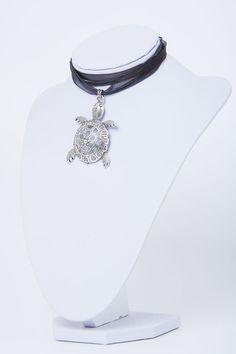 Halskette-Kettenanhänger-Silber-Schildkröte von Sylo Ketten auf DaWanda.com