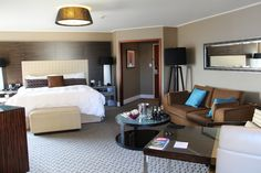 Four Seasons Hotel Sydney Full Harbour View Room 1609 http://www.tipsfortravellers.com/four-seasons-hotel-sydney/