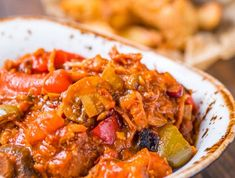 These are the best slow cooker recipes for your family dinner. These slow cooker meals are delicious and easy to make! Here are the best ones! Campfire Stew Slimming World, Slimming World Dinners, Slimming World Recipes Syn Free, Dinner For One, Jambalaya, Chicken Curry, Best Slow Cooker, Slow Cooker Recipes, Cooking