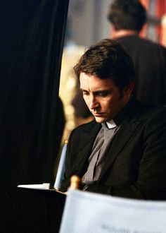 lee pace behind - Pushing up daisies