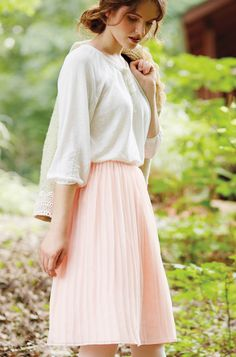 Get the look! Tips for sewing with Chiffon and Creating a Pleating Board. :)