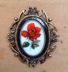 RED ROSE Costume Brooch/Pin GOLD tone Fashion Jewelry NICE