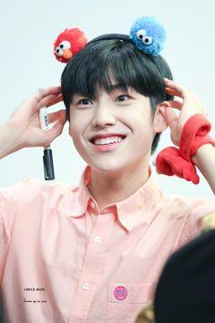 """체크메이트 on Twitter: """"190831  귀여워서 나 울어ㅠㅠㅠㅠㅠㅠㅠㅠㅜㅜㅠㅠㅠㅠㅠㅠㅠㅠㅠㅠㅠㅠㅠㅠㅠㅠ #이은상 #은상 #엑스원 #X1 #eunsang… """" Please Love Me, Fandom, Kpop Guys, Really Love You, Handsome Boys, New Music, Seventeen, Ikon, My Idol"""