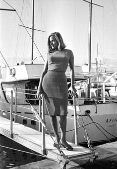 Honor Blackman | An iconic beauty in the 60s also known as Pussy Galore. #youresopretty