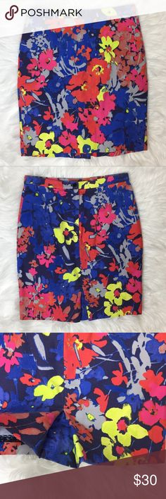 LOFT Floral Pencil Skirt Beautiful LOFT pencil skirt with a gorgeous design and gorgeous colors. Great pre owned condition. No holes or stains. Size 2p. Please refer to measurements to ensure proper fit. Waist: 13.5  Length: 18.5 LOFT Skirts Pencil