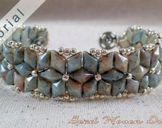 Ruffled Regalia Bracelet Tutorial por BeadWovenDreams en Etsy