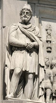 Roman statues of ancient Dacians (geto-dacii) – faces from the past Ancient Rome, Ancient History, History Of Romania, Romania People, Arch Of Constantine, Renaissance, Constantino, Roman Sculpture, Women In History