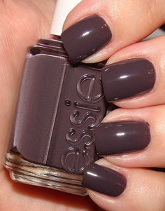 my favorite nail color of the season. esse smokin' hot. yes, baby.
