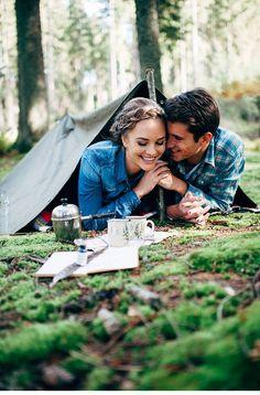 Sandra und Julian, Engagementshoot im Wald von Manuela Kalupar Photography - Hochzeitsguide