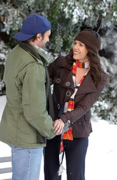 Gilmore Girls OH MY GOD! The Ice Rink!! Cutest thing a man ever did for a woman!! He was adorable to her!!