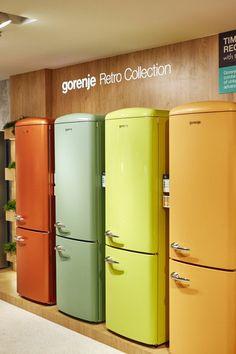 Gorenje Fridge Freezer, Top Freezer Refrigerator, Gorenje Retro, Pink And Gold Wallpaper, Retro Fridge, Kitchen Living, Living Spaces, Household, Kitchen Appliances