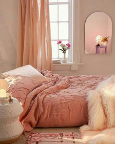 Best Blush Pink And Lovely Bedroom Design Ideas Part 13 ; pink bedroom ideas for women; pink bedroom ideas for kids; pink bedroom ideas for adults; pink bedroom grown up Pink Bedroom Decor, Pink Bedrooms, Teen Girl Bedrooms, Bedroom Curtains, Diy Bedroom, Bedroom Heels, Blue And Pink Bedroom, Pink Bedroom Walls, Blush Pink Bedroom