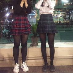 Pin by Ktyslrrr on Mood board for Casper in 2019 Edgy Outfits, Teen Fashion Outfits, Retro Outfits, Grunge Outfits, Cute Casual Outfits, Cute Fashion, Look Fashion, Korean Fashion, Alternative Outfits