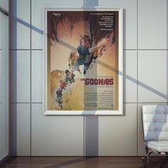 Poster Plugging Goonies em papel de alta qualidade com impressão laser, suasdimensões são de 57centímetrosde largura e 80centímetrosde altura,o design do poster é inspirado no clássico filme TheGoonies.</span>