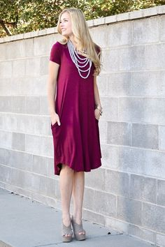 Airelle Midi Dress in Burgundy Size: Medium & Large http://ift.tt/2j1xFru
