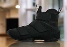 finest selection 7b3db 8c87c Fall 2017 All Black Nike Lebron Soldier 10 Triple Black BHM MLK Komplett Schwarze  Schuhe,