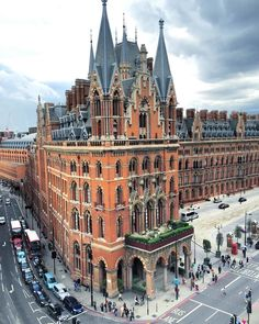 """See the incredible #HarryPotter esque St. Pancras Hotel in London, perfect for a magical visit!…"""""""