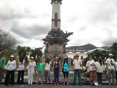 Círculo de la Vida por el Yasuní. Plaza Grande, Quito. #Yasunidos.