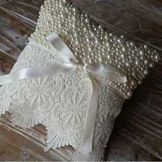 1 million+ Stunning Free Images to Use Anywhere Ring Bearer Pillows, Ring Pillows, Throw Pillows, Wedding Ring Cushion, Wedding Pillows, Pillow Crafts, Wedding Crafts, White Pillows, Cushions On Sofa