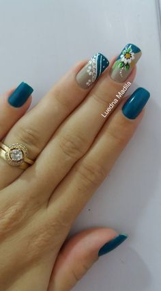 109 Melhores decorações do grupo de Unhas Decoradas Simple Nail Art Designs, Nail Designs, Nail Polish Designs, Fabulous Nails, Gorgeous Nails, Stylish Nails, Trendy Nails, Hair And Nails, My Nails