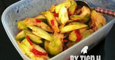 Resep Rujak Kedondong favorit. Asian Recipes, Asian Foods, Ethnic Recipes, Indonesian Food, Low Carb Diet, Kimchi, Guacamole, Pickles, Food And Drink