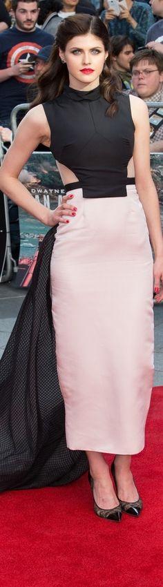 Alexandra Daddario In Bibhu Mohapatra – 'San Andreas' London Premiere