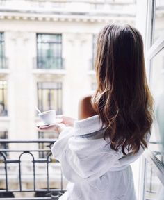 Beauty is when you can appreciate yourself. When you love yourself, that's when you're most beautiful. Photography Poses Women, Girl Photography, Iron Girl, Morning Girl, Sunday Morning Coffee, Saturday Morning, Morning Photography, Coffee Girl, Coffee Coffee