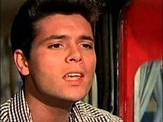 Cliff Richard & The Shadows - Summer Holiday - YouTube